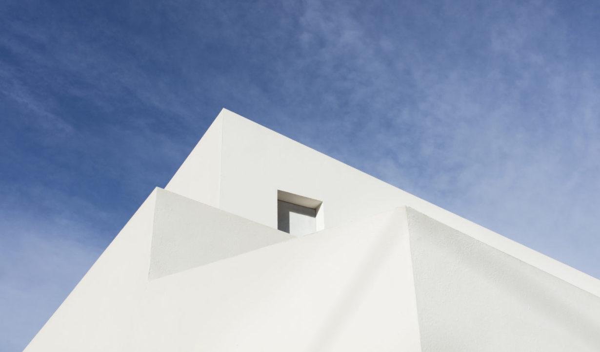 c casa les pedreres Mas millet arquitectura obra nueva chalet vivienda unifamiliar moderna rustica valencia diseño mobiliario arquitecto minimalista