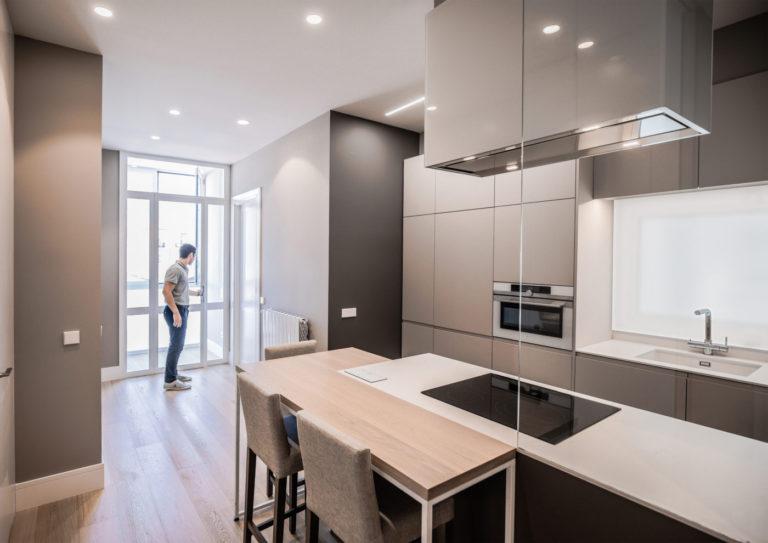 10 mas millet arquitecto arquitectura interiorismo reforma integral moderna piso valencia mobiliario salon cocina