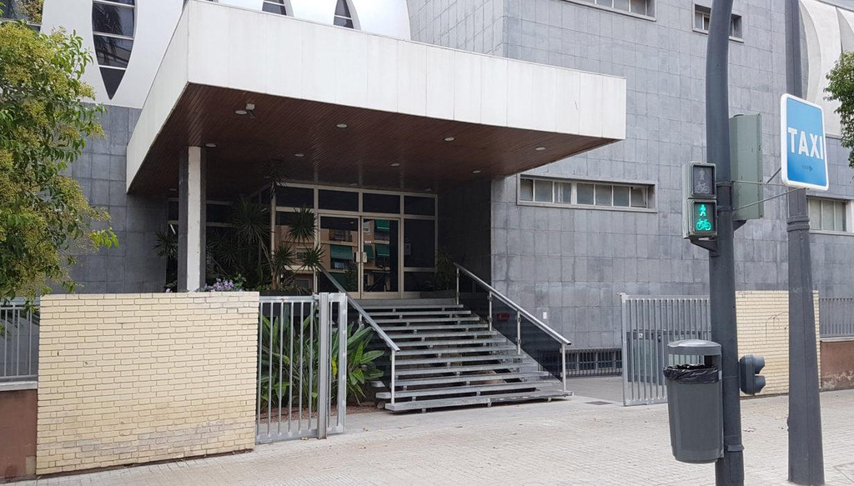 02 mas millet arquitecturan interirorismo arquitecto valencia acceso colegio medicos adaptado minusvalidos discapacitados jardin