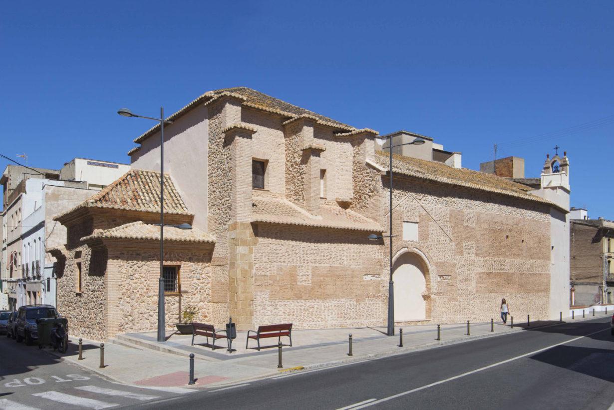 01-mas-millet-arquitectura-interiorismo restauracion-iglesia-san-antonio-rebollet-oliva valencia-fachada-rehabilitacion-teja-ladrillo