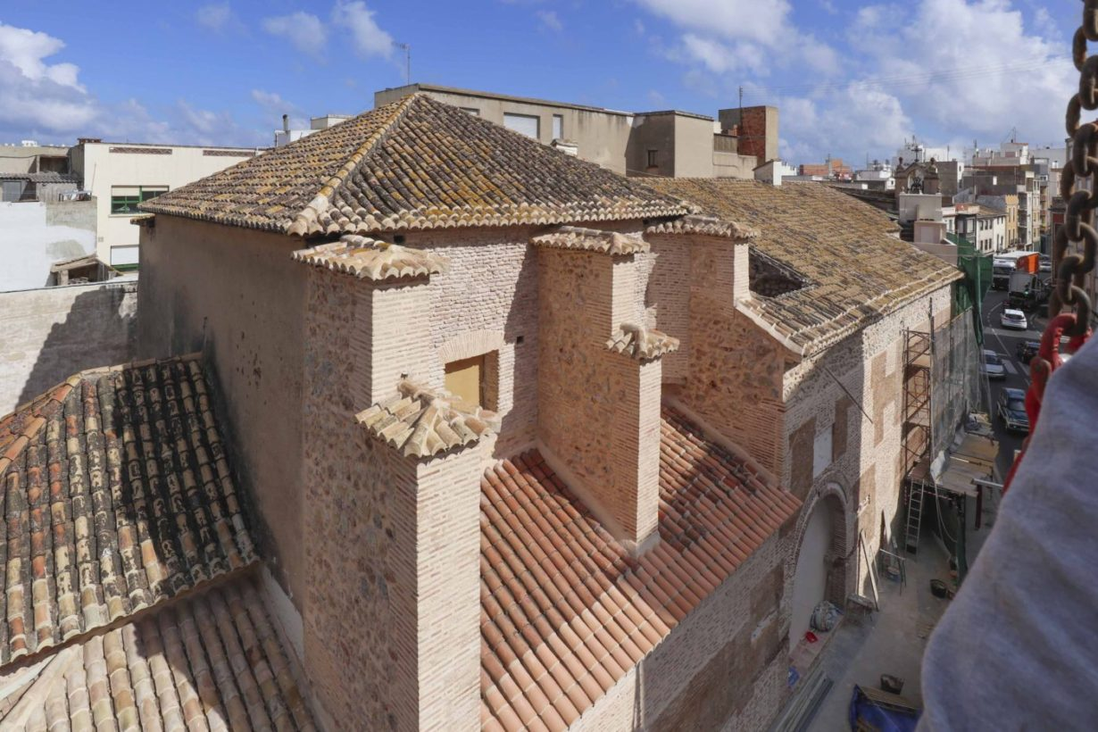 05-mas-millet-arquitectura-interiorismo restauracion-iglesia-san-antonio-rebollet-oliva valencia-fachada-rehabilitacion-teja-ladrillo