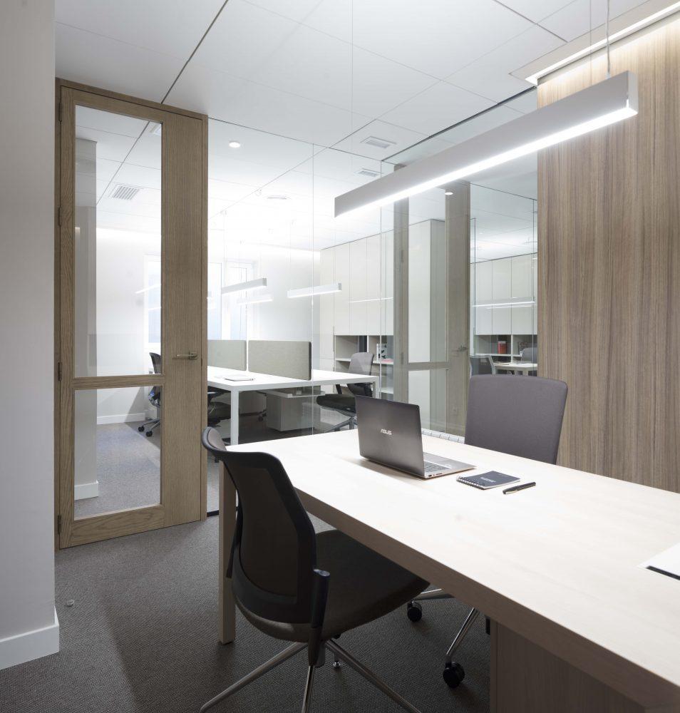 Mas Millet Bufete Mas y Calvet arquitectura interiorismo arquitecto valencia oficina madrid abogados despacho minimalista moderno mobiliario diseño