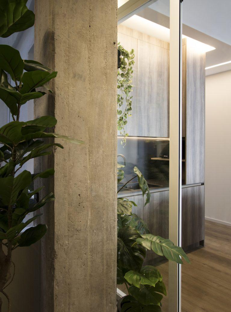 arquitectura interiorismo reforma valencia casa quart salon comedor cocina celosia isla papel jardin lavadero
