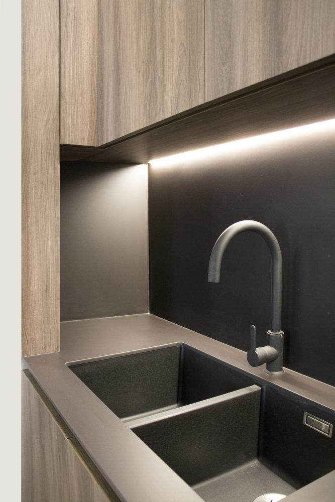 arquitectura interiorismo reforma valencia casa quart salon comedor cocina celosia isla detalle fregadero negro