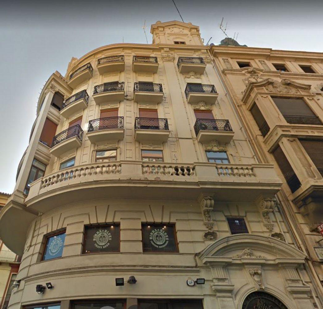 arquitectos valencia rehabilitan casa en mercado central
